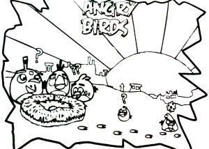 Angry Birds vigilando el nido